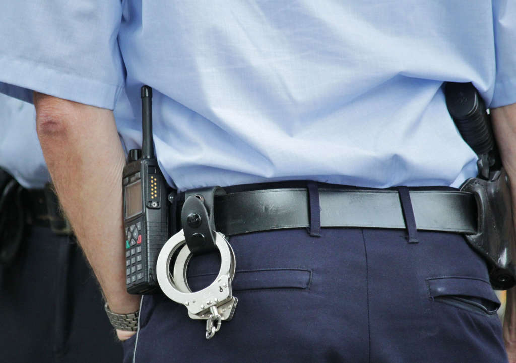 Какая ответственность, штраф за самовольное отгораживание тамбура, установку двери?