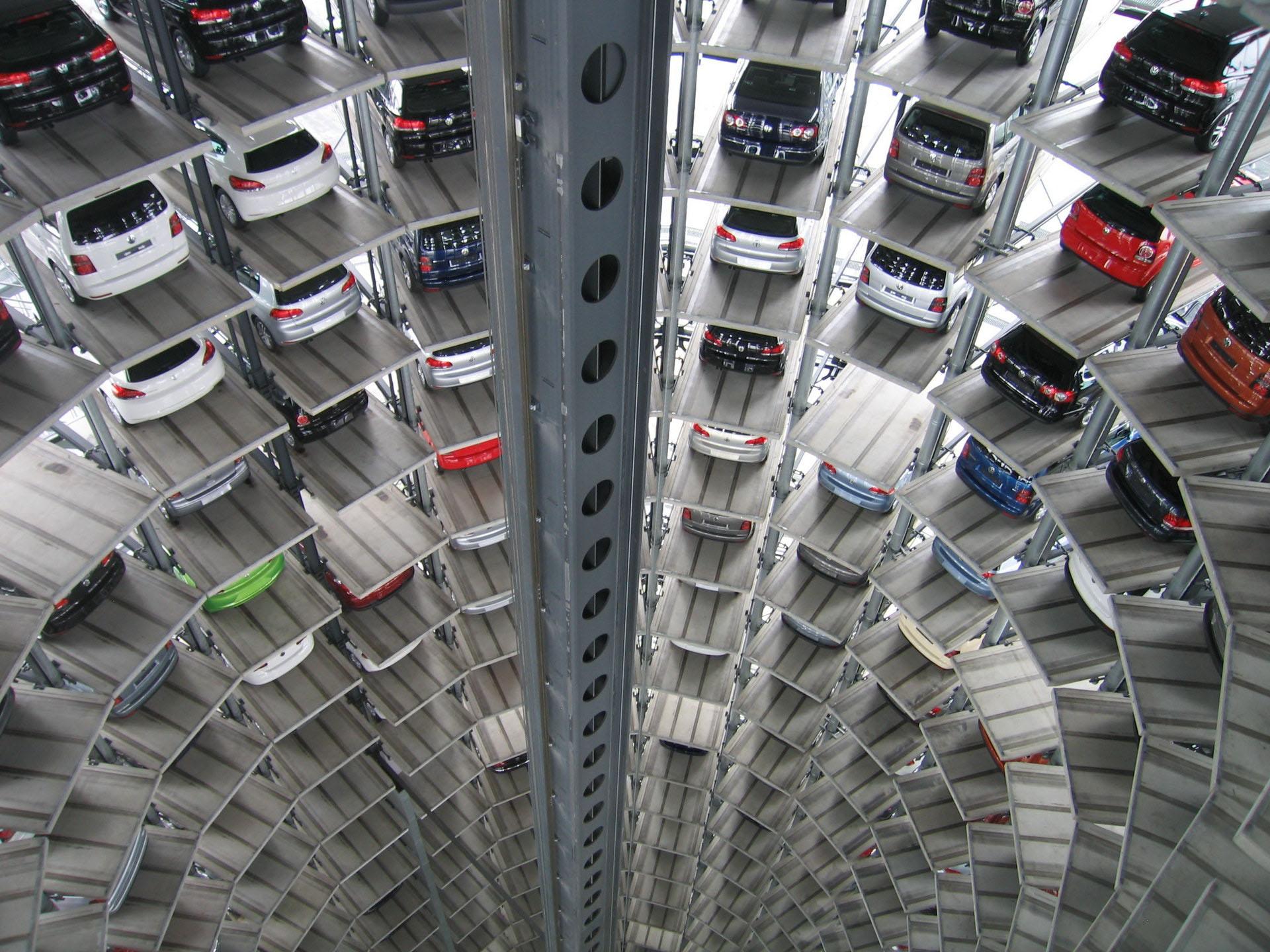 Автомобилисты готовы покупать машиноместа рядом с домом — власти Москвы